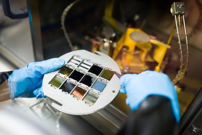 Perovskite-silicon solar cell research collaboration hits 25.2% efficiency