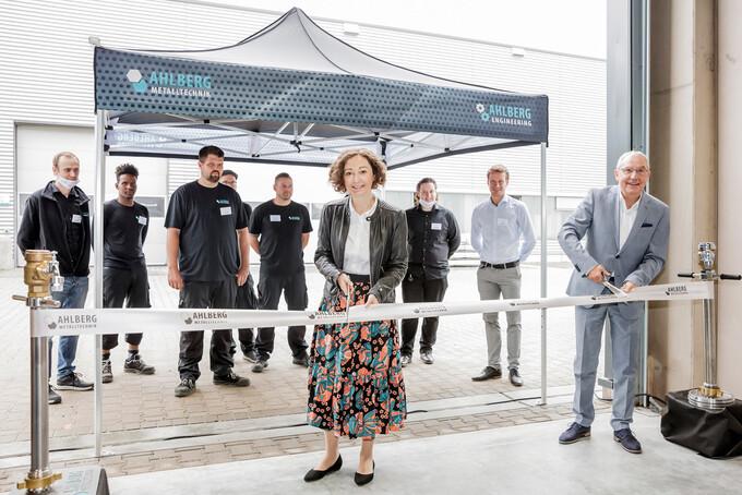 Neue Fertigungshalle der Ahlberg Metalltechnik GmbH eingeweiht