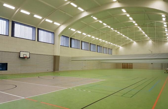 Sanierte Merlitzhalle an das Sportamt übergeben