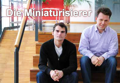 FBH-Forscher Andreas Wicht (r.) und Christian Kürbis